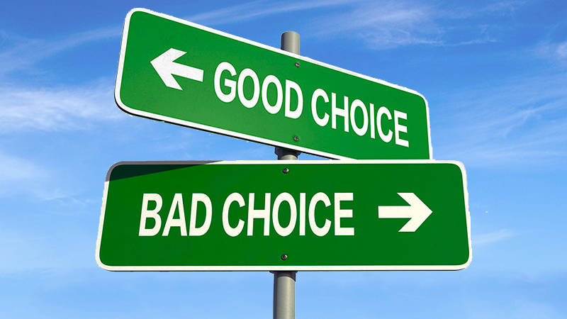 Good choice and bad choice right website image intersecting green street signs